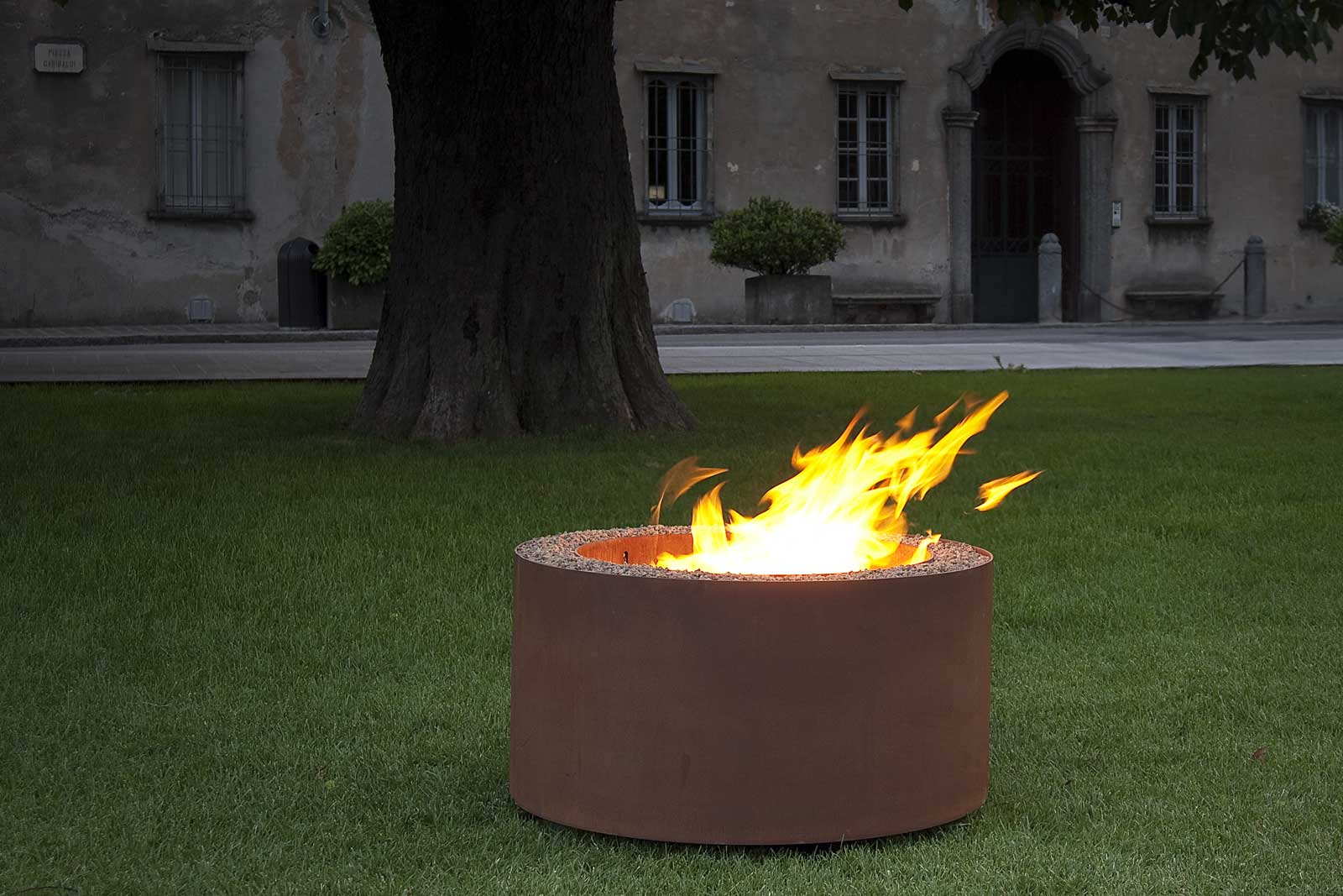 Outdoor Firepit Mangiafuoco by AK47